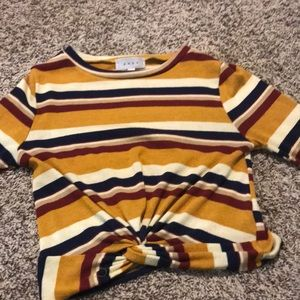 Tops - a cute cropped fall vibes top!